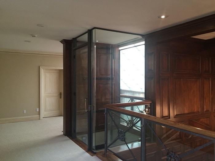 glass-encasing-elevator_1
